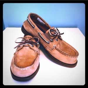 Sperry boys brown boat shoes size 13.5